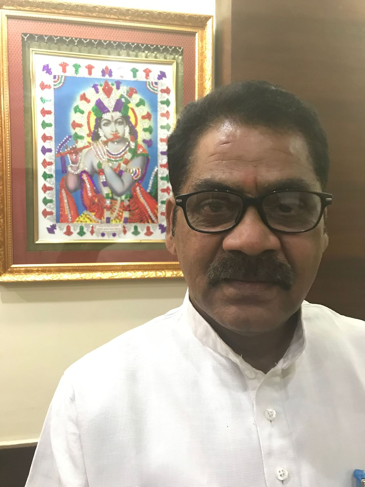 Prem Mishra, businessman and president of Varanasi, 'Udyog Vyapar Samiti' feels that there is more that meets the eye about Nitin Gadkari, and his recent remarks on him not being in the race for Prime Minister.