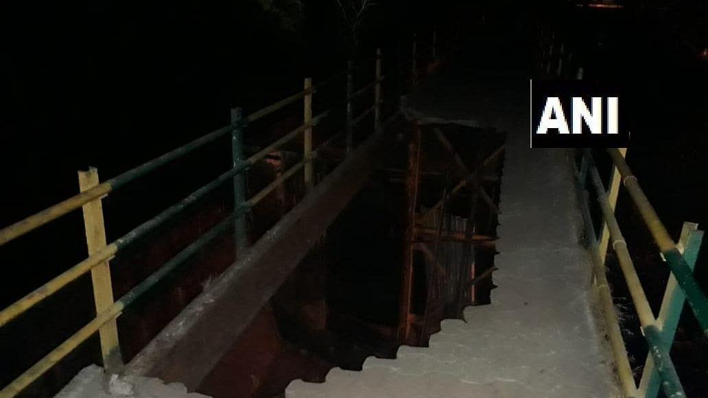 Foot overbridge collapses in Mumbai.