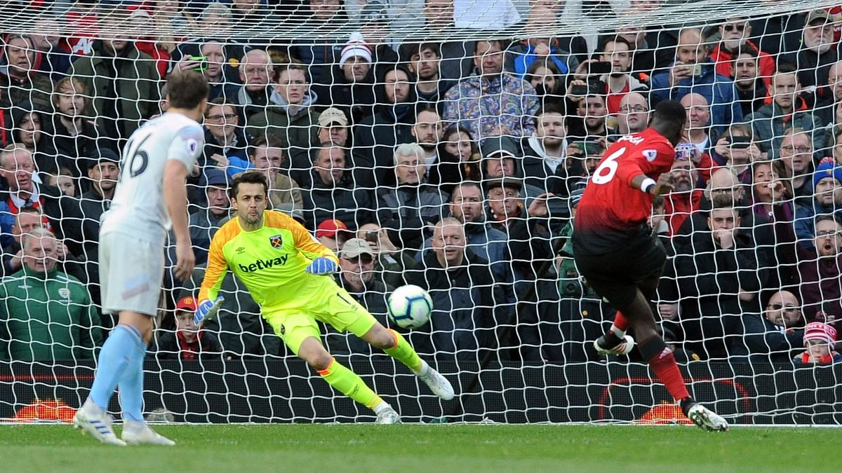 Pogba's Penalties Give Man United 2-1 Win over West Ham in EPL