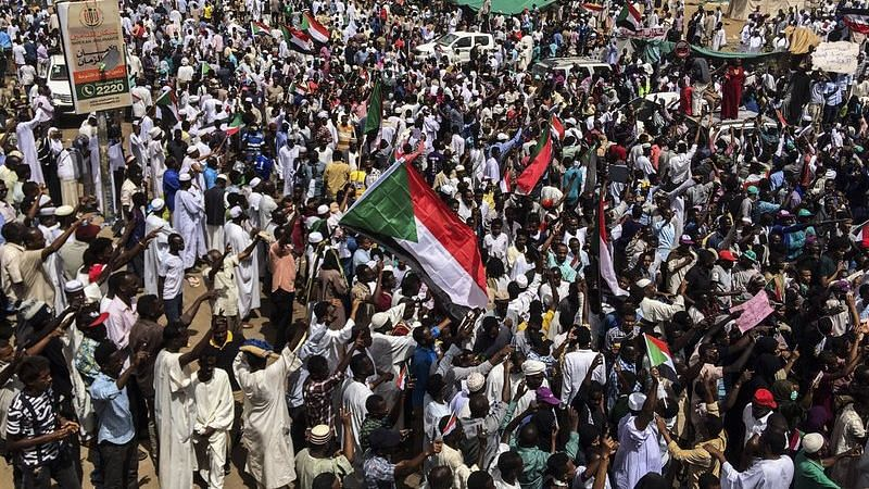 Sudanese Army Holds First Meeting With Protesters Since Coup