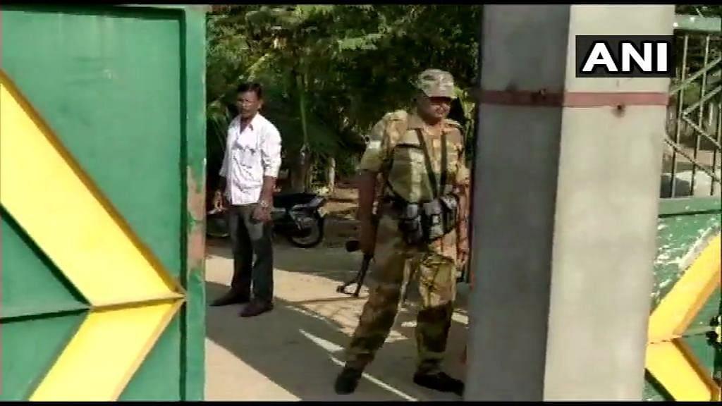 Karnataka: I-T Raids on Aides of JD(S) Leaders in Hassan, Mandya