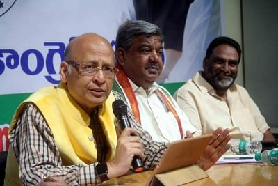 Congress delegation meets EC over EVMs, other issues