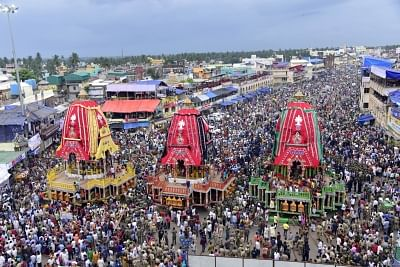 DGP reviews security for July Rath Yatra in Puri