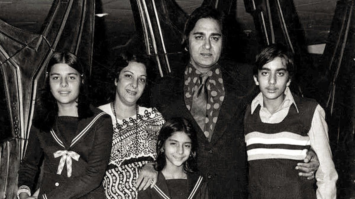 Sanjay Shares Throwback Pic on Dad Sunil Dutt's Death Anniversary