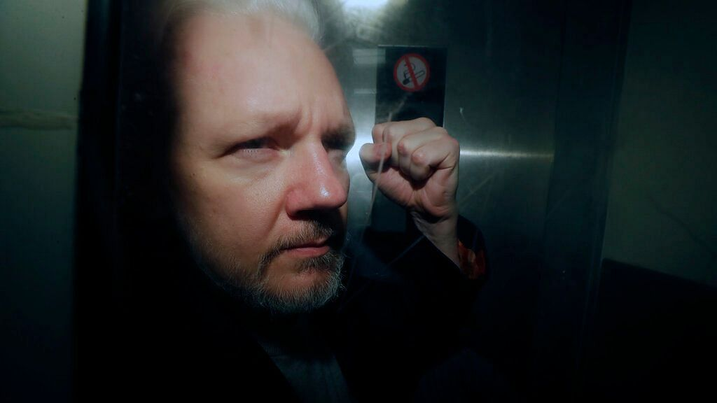 US Charges Wikileaks' Assange with Publishing Classified Info