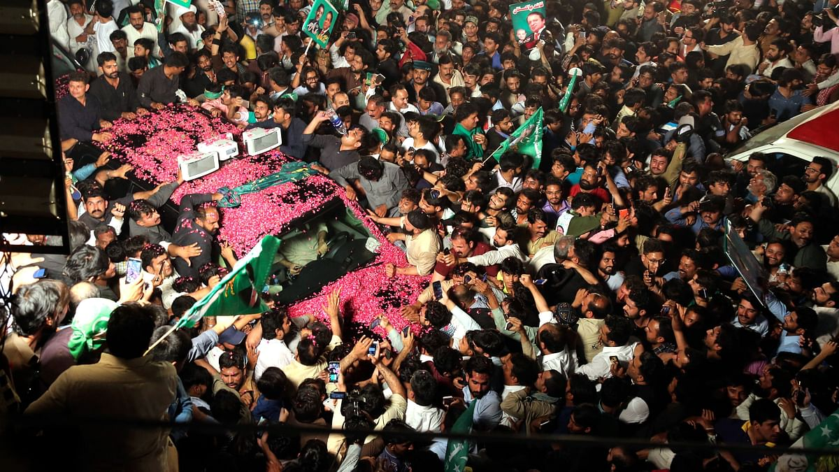Nawaz Sharif Back in Jail After Massive Show of Strength in Lahore