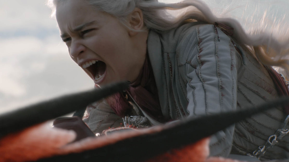 Daenerys Targaryen charges into battle field.