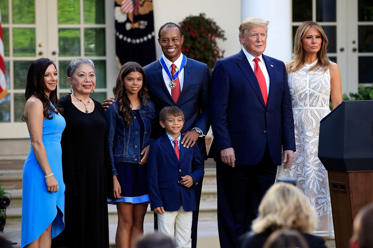 Trump Awards Medal to Tiger Woods, Calls Him 'True Legend'