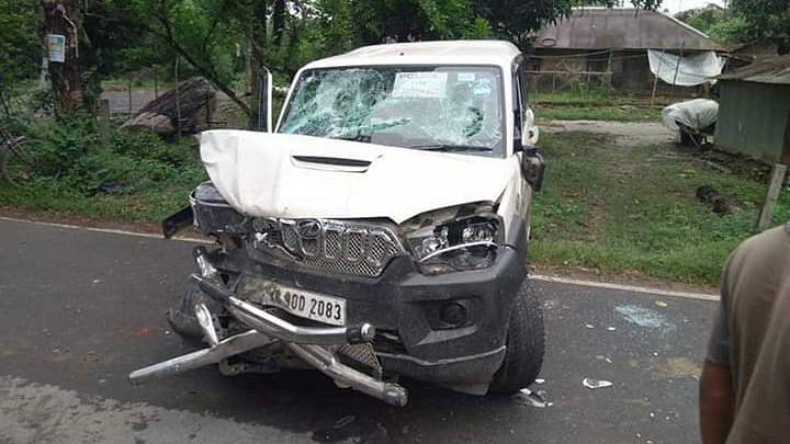 Bongaon BJP Candidate Shantunu Thakur Injured in Car Accident