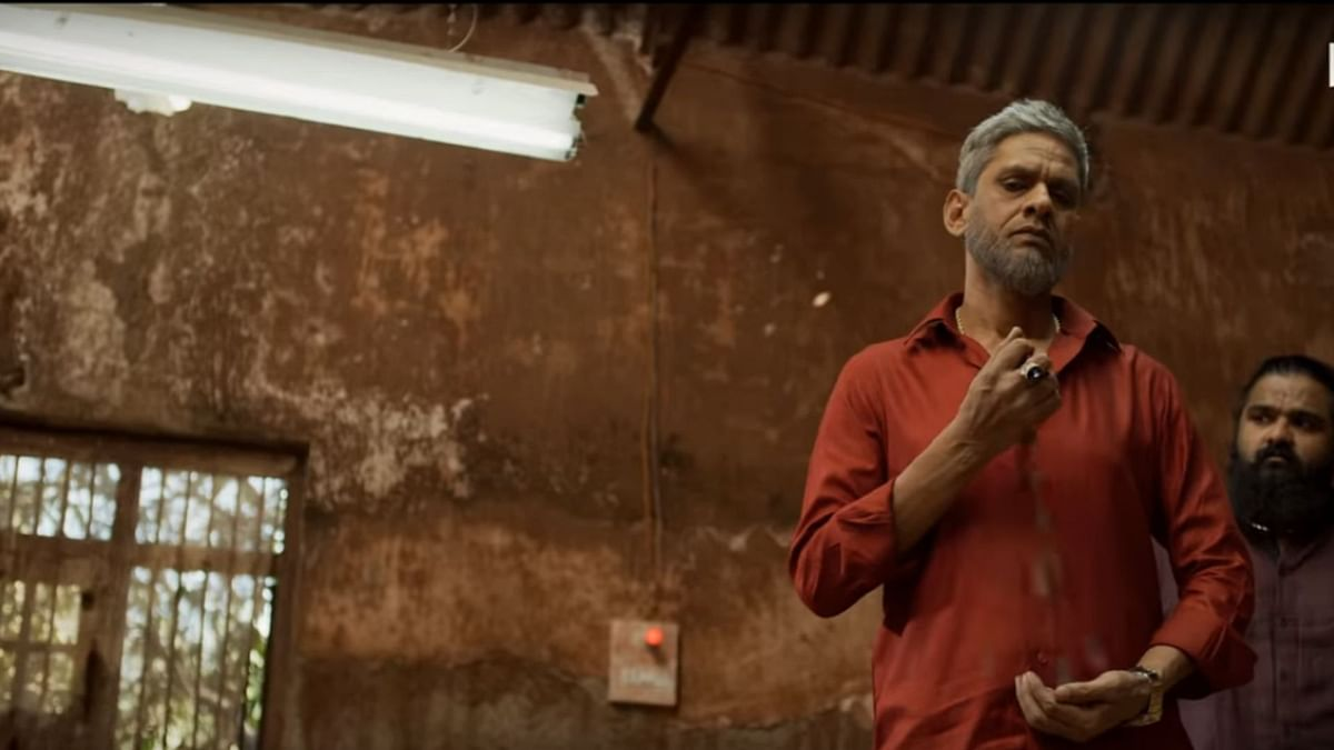 Vijay Raaz does not fail to impress as the 'gangster'.