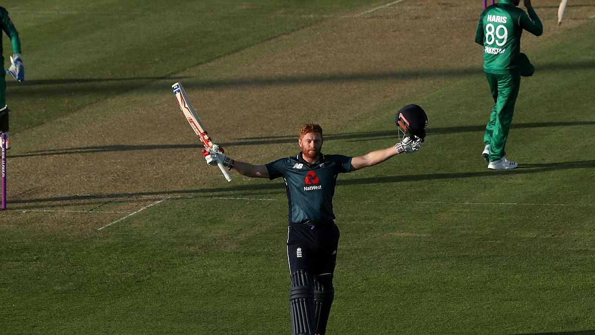 England Chase Down 359, Ease to 6-Wicket Win Over Pakistan