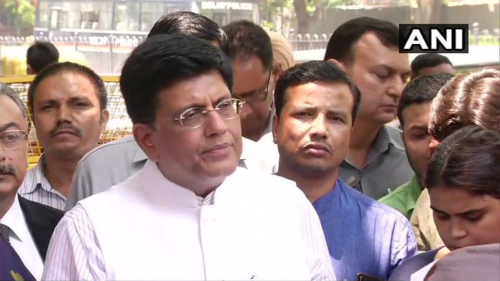 Piyush Goyal Meets EC, Demands Re-Polling Due to Violence in WB