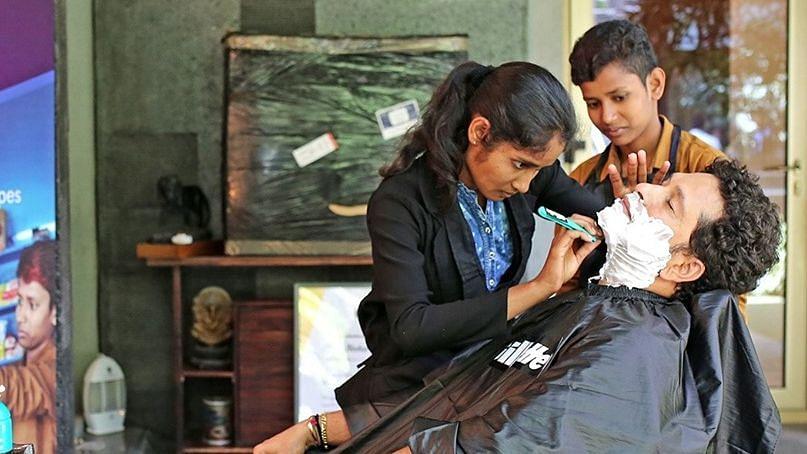 Sachin Tendulkar got a shave from female barbers Neha and Jyoti.