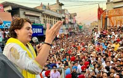 Pathankot: Congress General Secretary (Uttar Pradesh East) Priyanka Gandhi Vadra addresses during a roadshow ahead of the final phase of 2019 Lok Sabha elections, in Punjab