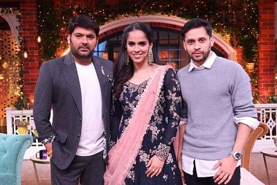 Indian badminton players Saina Nehwal and Parupalli Kashyap with Kapil Sharma.