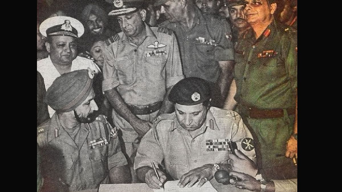 The late Lt. Gen. JFR Jacob (retd.) (in colour) witnessing the surrender of Pakistani Army in Bangladesh in 1971. Image used for representational purposes.