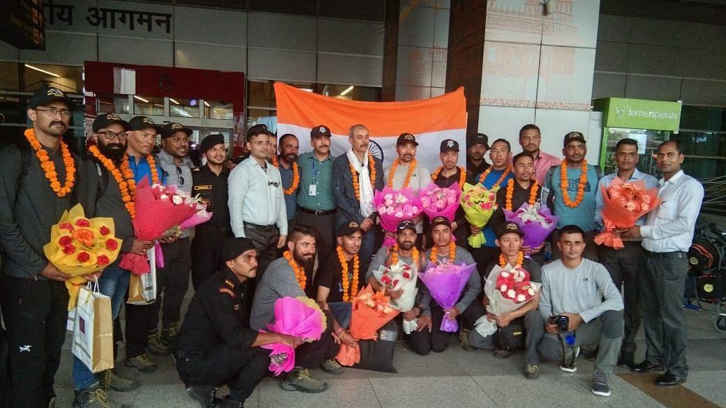 NSG Team Returns to Delhi After Summiting Mount Everest