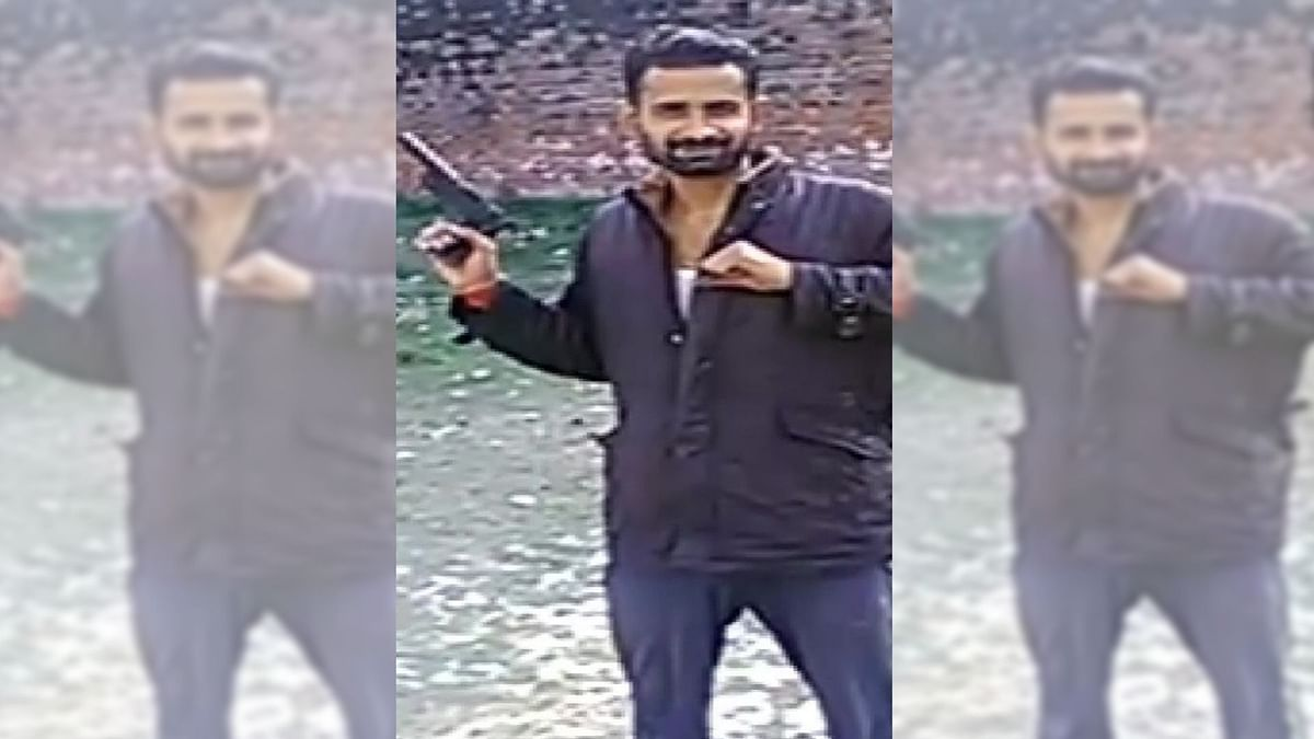 Action Against 4 Unnao Officials After Inmates Flash 'Clay' Pistol