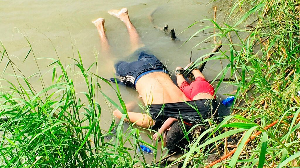 As Photo of Drowned Migrants Goes Viral, Trump Says He 'Hates' It