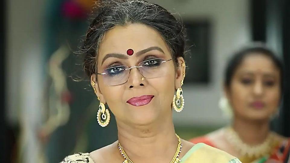 Fathima Babu. Bigg Boss Tamil 3's first contestant.