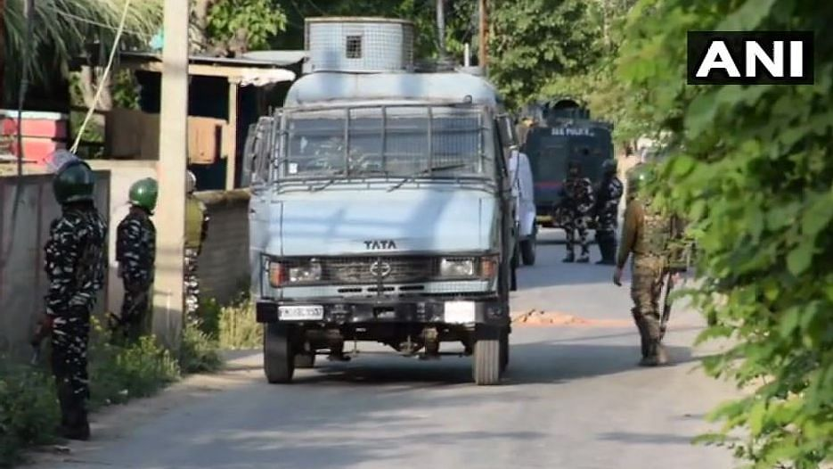 Security forces launched a cordon and search operation in Bugam area of Budgam district in central Kashmir on Sunday morning.