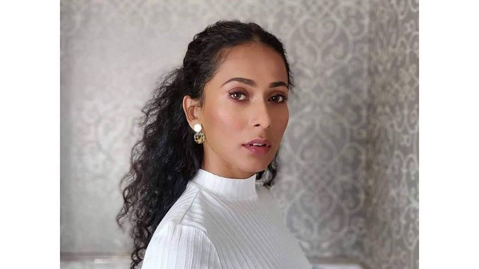 QCrime: Ex-Miss India Universe 'Harassed'; Kenyan Woman Stabbed