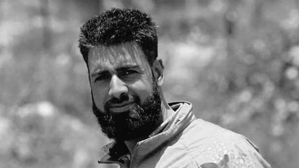 Kashmiri Tourist Guide Dies While Saving 7 Lives As Boat Capsizes