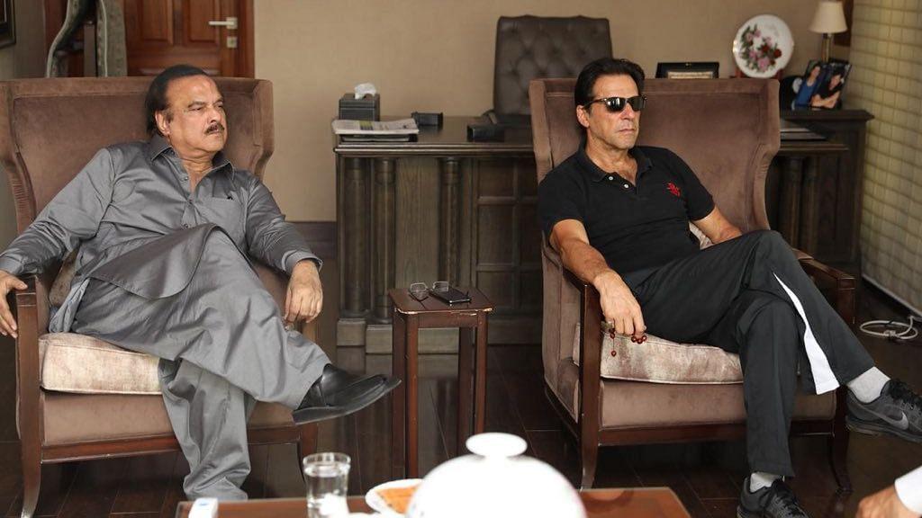 Twitter Plays Along to Naeem ul Haque's  'Imran Khan' Photo
