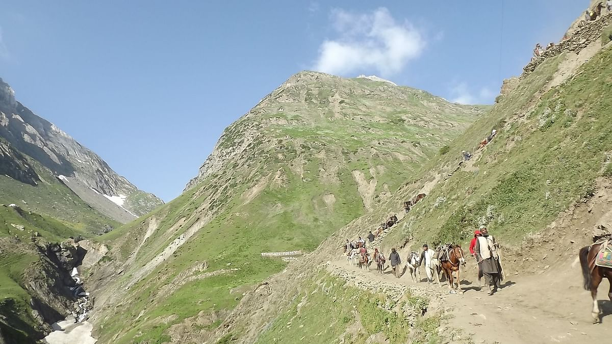 The departure date for IRCTC 'Amarnath Yatra By Flight Ex Chennai' tour package is 20 July 2019 and has an availability of 29 seats.