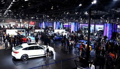 Rainy days: Slowdown to further decelerate automobile production