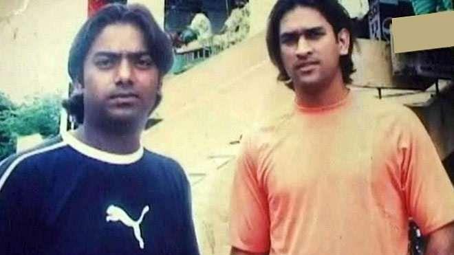 File image of Santosh Lal (L) with Mahendra Singh Dhoni (R).