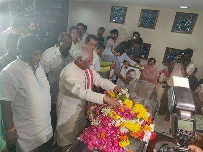 Hyderabad: BJP leader Bandaru Dattatreya pays tributes to Former Andhra Pradesh Minister and senior Congress leader M. Mukesh Goud who passed away while undergoing treatment at a hospital, in Hyderabad on July 29, 2019. (File Photo: IANS)