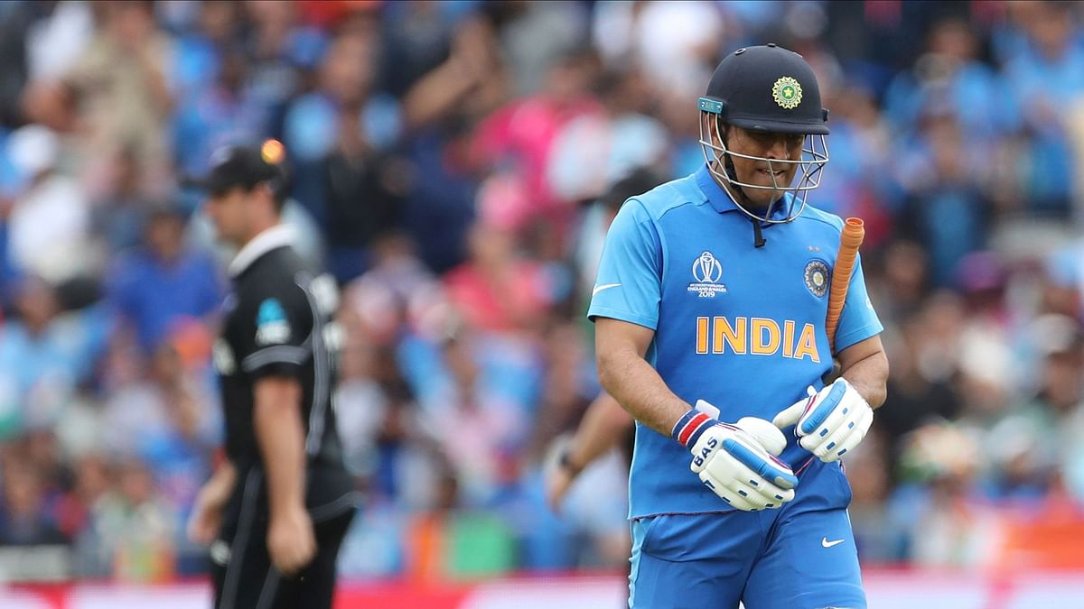 Coach Shastri Reveals Why Dhoni Batted at No 7 in World Cup Semi