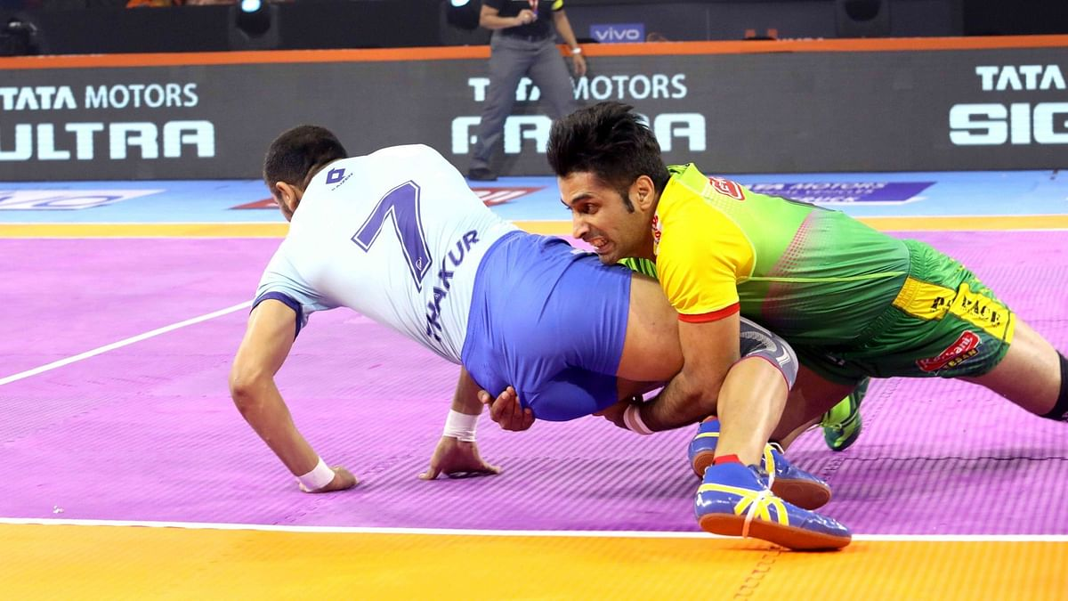Patna Pirates beat Tamil Thalaivas 24-23 in Mumbai on Monday.