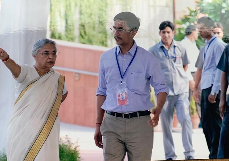 Sheila Dikshit and Pawan Khera during Commonwealth Games preparations.