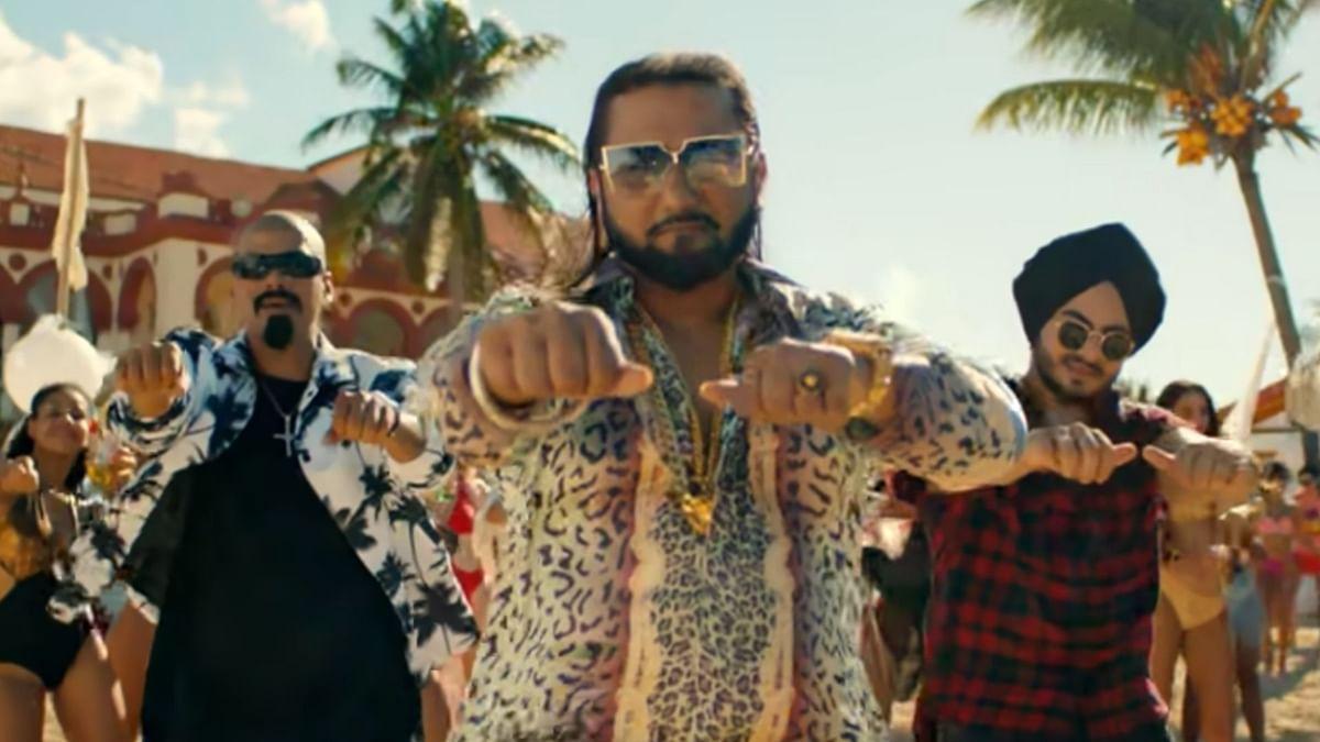 "<div class=""paragraphs""><p>A court notice has been sent to singer-actor Yo Yo Honey Singh</p></div>"