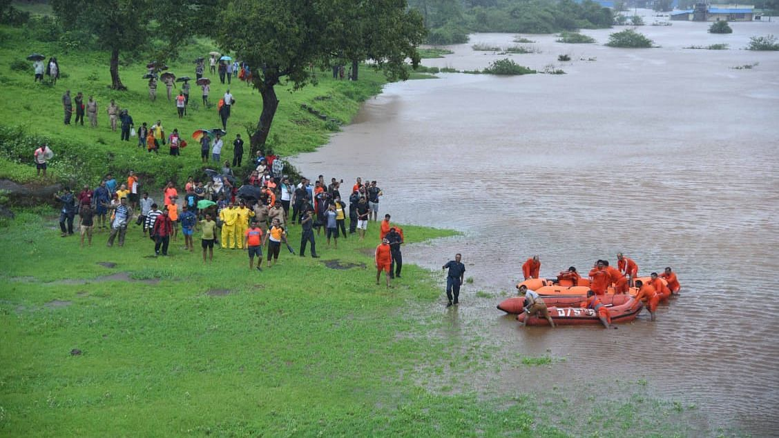 All the passengers on board the Mahalaxmi Express, which was halted by floodwaters near Maharashtra's Badlapur, have been rescued.