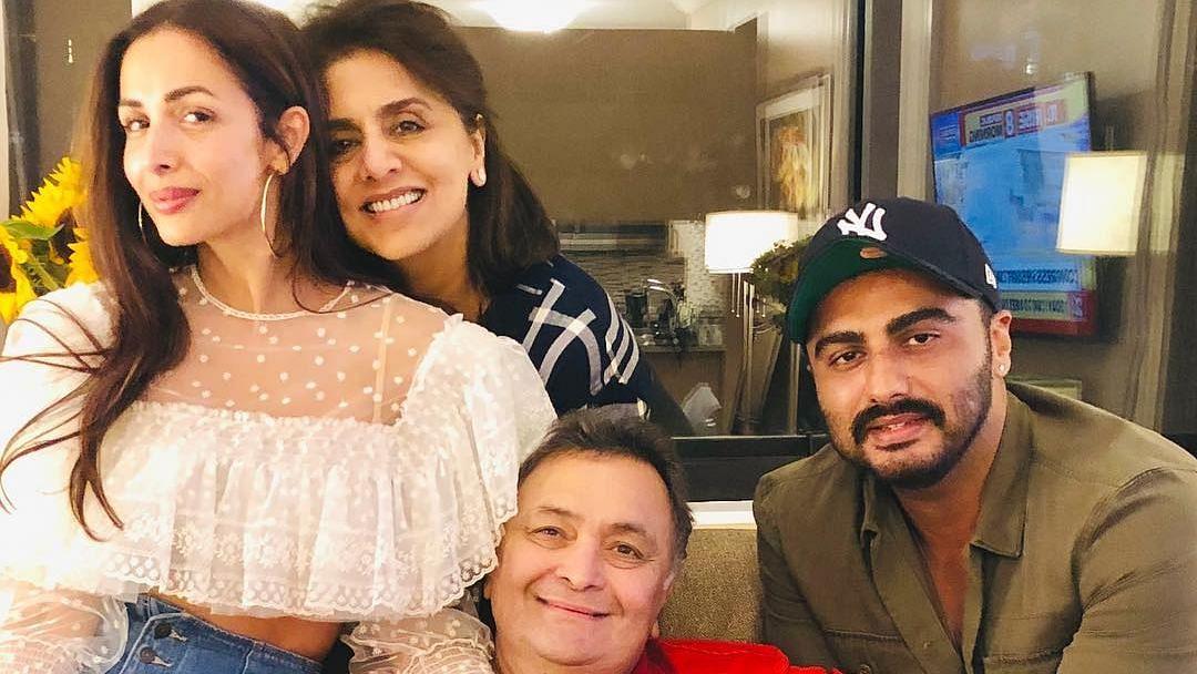 Arjun Kapoor & Malaika Arora Visit Rishi Kapoor in New York