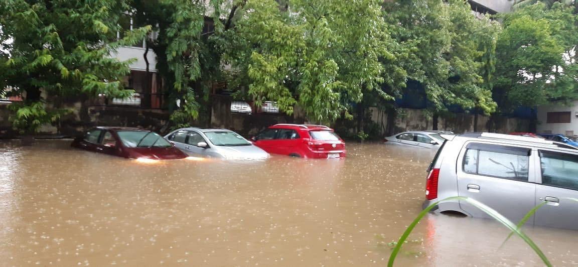 Cars submerged at Bandra east, Kalanagar area.