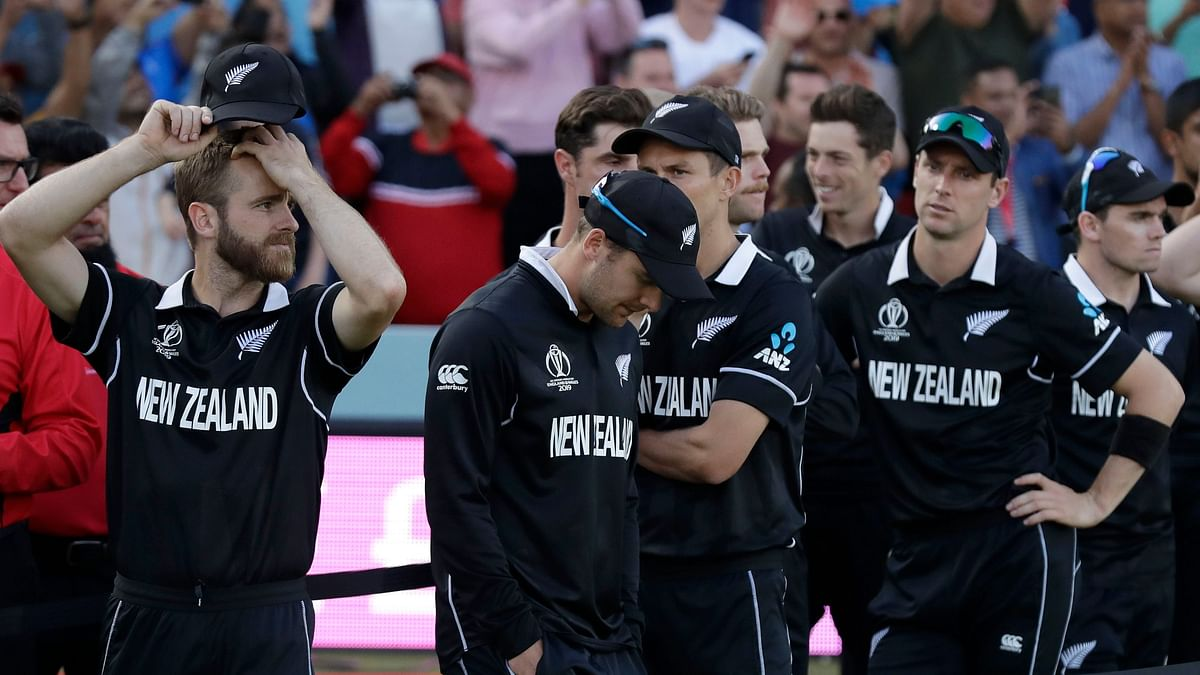 An all-night vigil by New Zealand fans ended in bitter disappointment when they saw their team beaten by England after an unprecedented Super Over.
