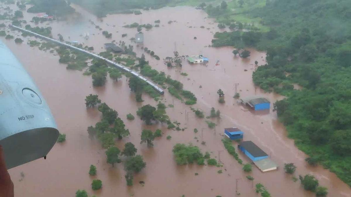 Because of Ulhas river, the Mahalaxmi express got stuck at Chamtoli.