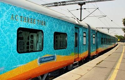 Humsafar Express: Timetable, Routes, Fare