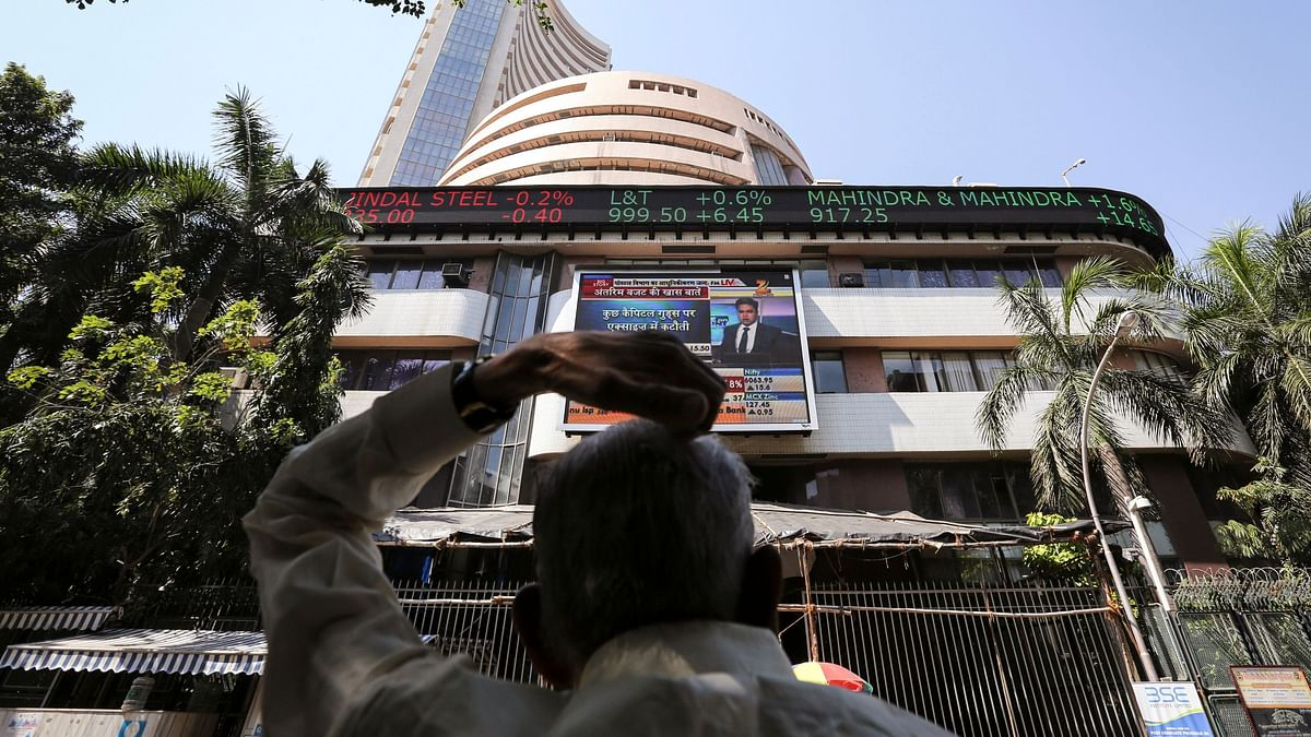 Sensex, Nifty End Higher Amid Volatility, Led by Gain in Infosys