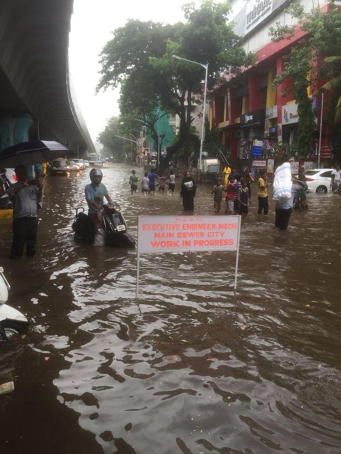 Mumbaikars stuck at the saucer-shaped Hindmata junction.