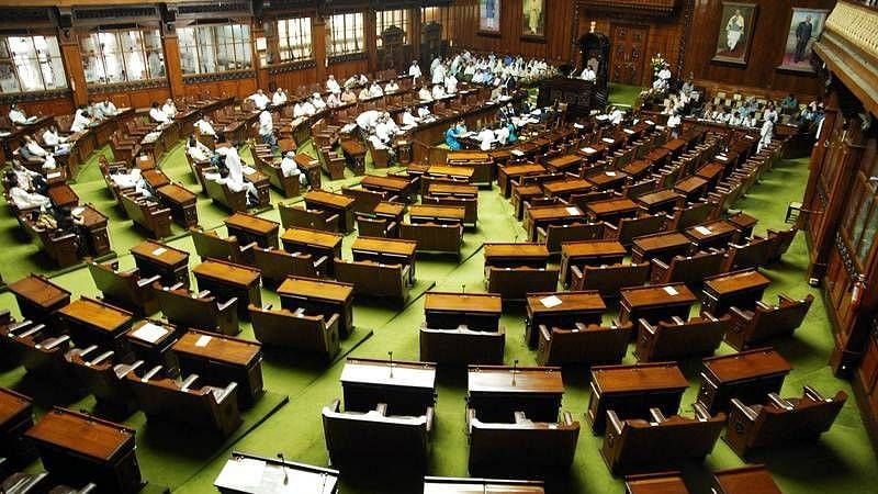QAhmedabad:  74 MLAs Get I-T Notices;11 Booked in Cop Suicide Case