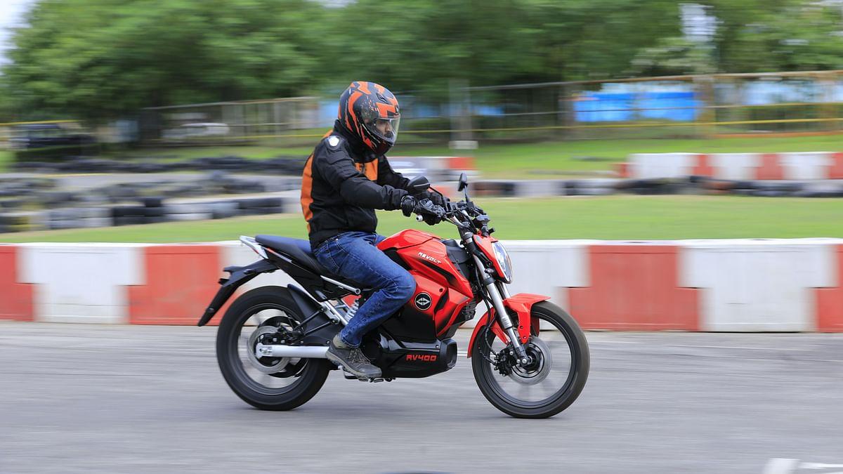 Revolt RV400 Electric Bike First Ride: Say Goodbye to Petrol Pumps