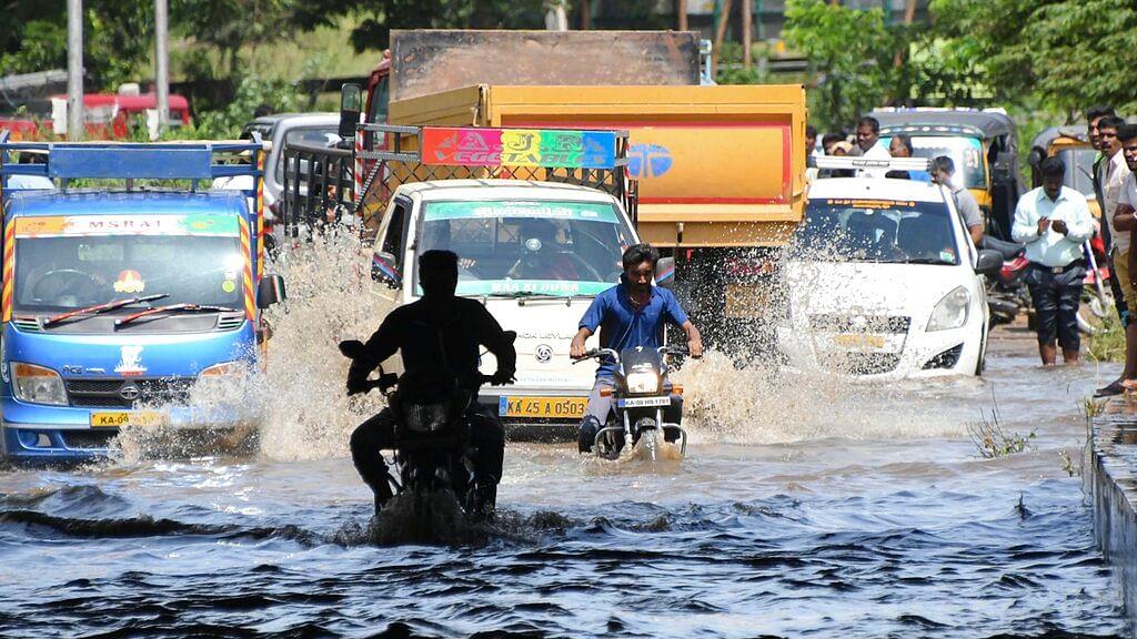 Floods Claim At least 121 Lives in Kerala, 76 Killed in Karnataka