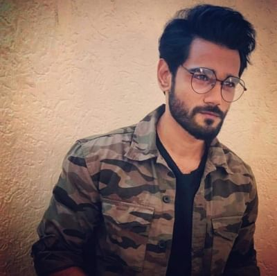 Budding Bollywood playback Yaseer Desai has been roped in to lend his voice for a musical web series spanning seven episodes. Each episode will revolve around different songs, which is the USP of the project.