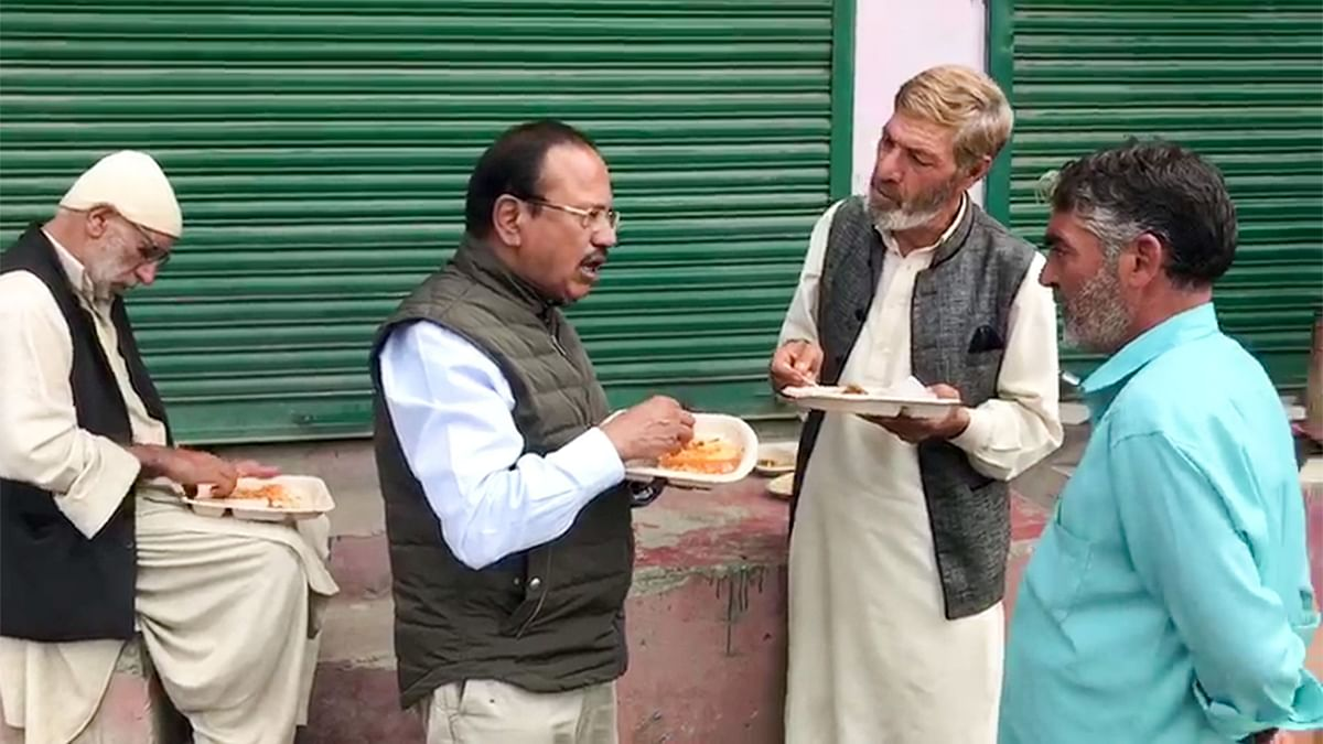 'Money Can Buy Anyone': Azad on Doval Sharing Food With Kashmiris