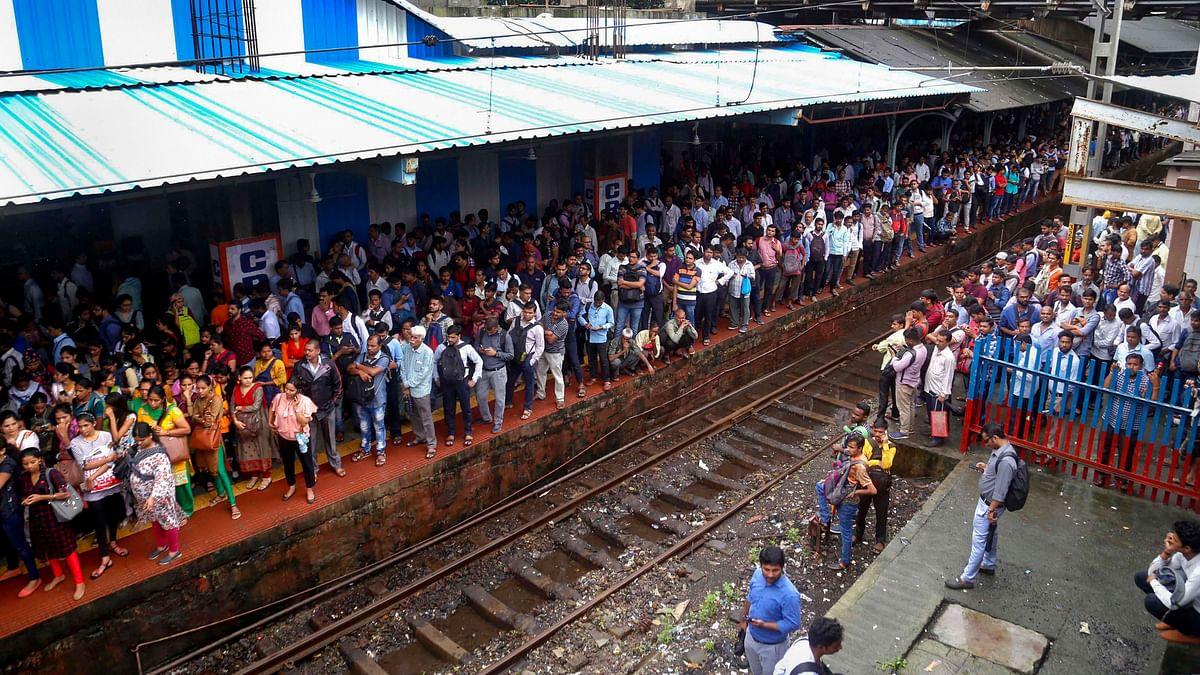 RPF Jawan Saves Man's Life at Thane Station